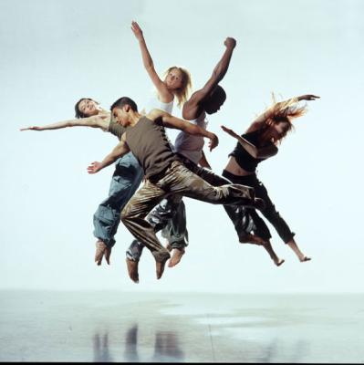 http://prod.openinfolive.org/openinfoliveSites/mormant/image/culture/danse3.jpg